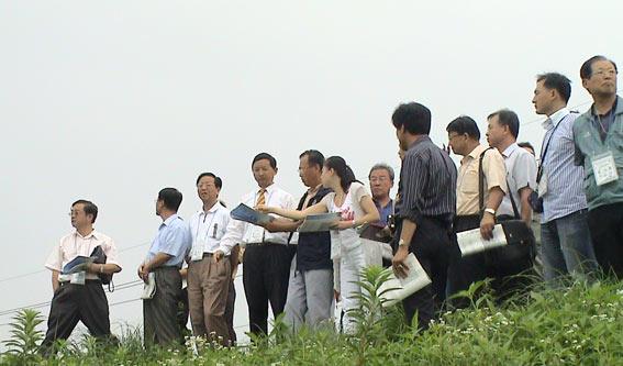 """韩国迁都――周易联合会应邀""""看风水"""""""